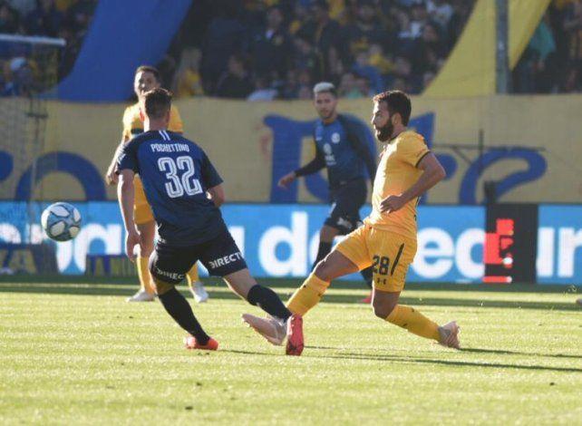 Gamba entró y fue clave en la jugada del gol
