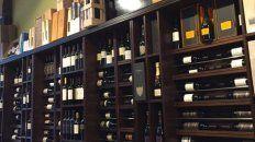 Quebró una vinería y rematan 100 mil botellas de su bodega para pagar indemnizaciones