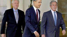 Clinton, Obama y Bush en enero de 2010, durante una ceremonia en la Casa Blanca.
