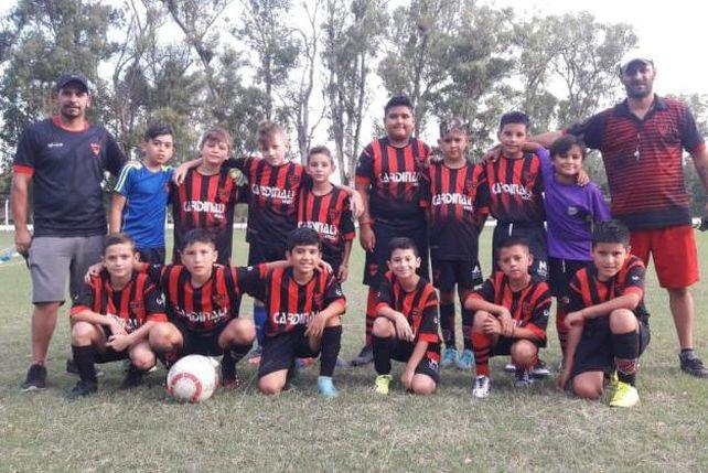Rojinegro de Alvarez.  La  categoría 2011 Unión que jugará por primera vez en cancha de 11.