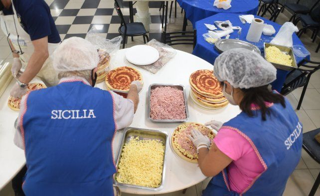 Los sicilianos, con las manos en la masa a pura producción pizzera.