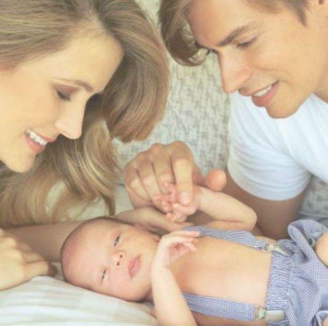 Carlos Baute presenta a su hijo que lidera el ránking de los bebés más lindos del planeta
