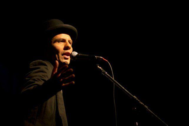Murga y rock. Tabaré Cardozo presenta Librepensador hoy en Distrito 7.