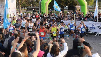 Postales del color y la alegría del Maratón Internacional de Rosario