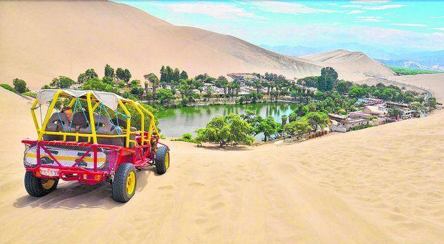 Maravilloso escenario natural. Un desierto de arena finas y dunas de todos los tamaños
