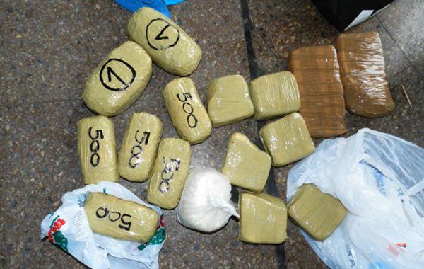Los ladrillos de droga incautados hoy en la terminal de Rosario.