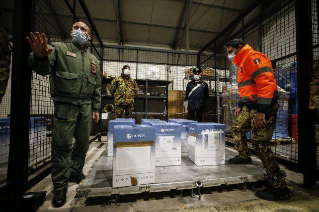 almacenamiento-un-stock-vacunas-una-base-aerea-italiana