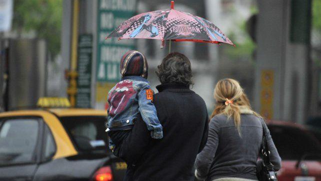 Lluvia y frío será el común denominador de este viernes en el arranque del fin de semana largo