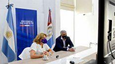 La ministra de Salud, Sonia Martorano, y el rector de la UNR, Franco Bartolacci.