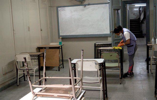 Vuelta a clases. Este miércoles lo harán los estudiantes que deben cerrar ciclos en primaria y secundaria.