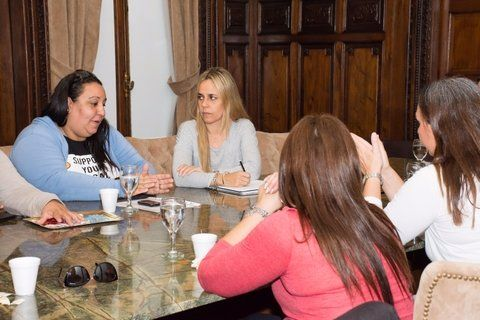 género. La concejala recibió a mujeres que piden trabajar en la TUP.