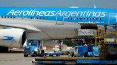 El Airbus de Aerolíneas Argentinas en el aeropuerto internacional de Ezeiza.