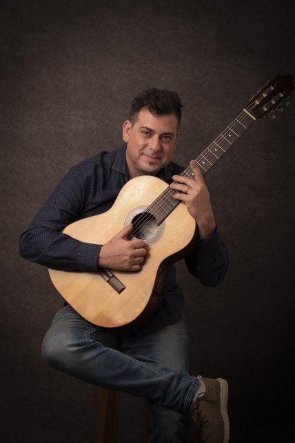 Mariano Trebotich. El médico y músico lanzó Lunas de sal