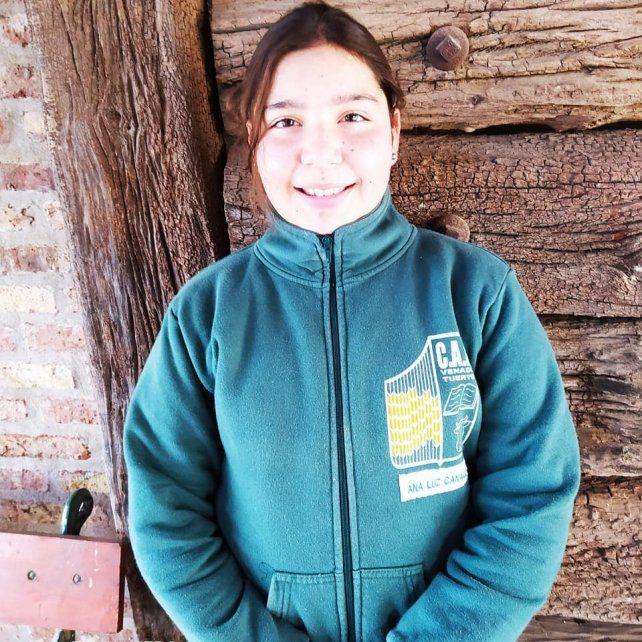 La alumna del CAR, Ana Luz Canale (11), fue distinguida en un Congreso Nacional por su interés en temas medioambientales.