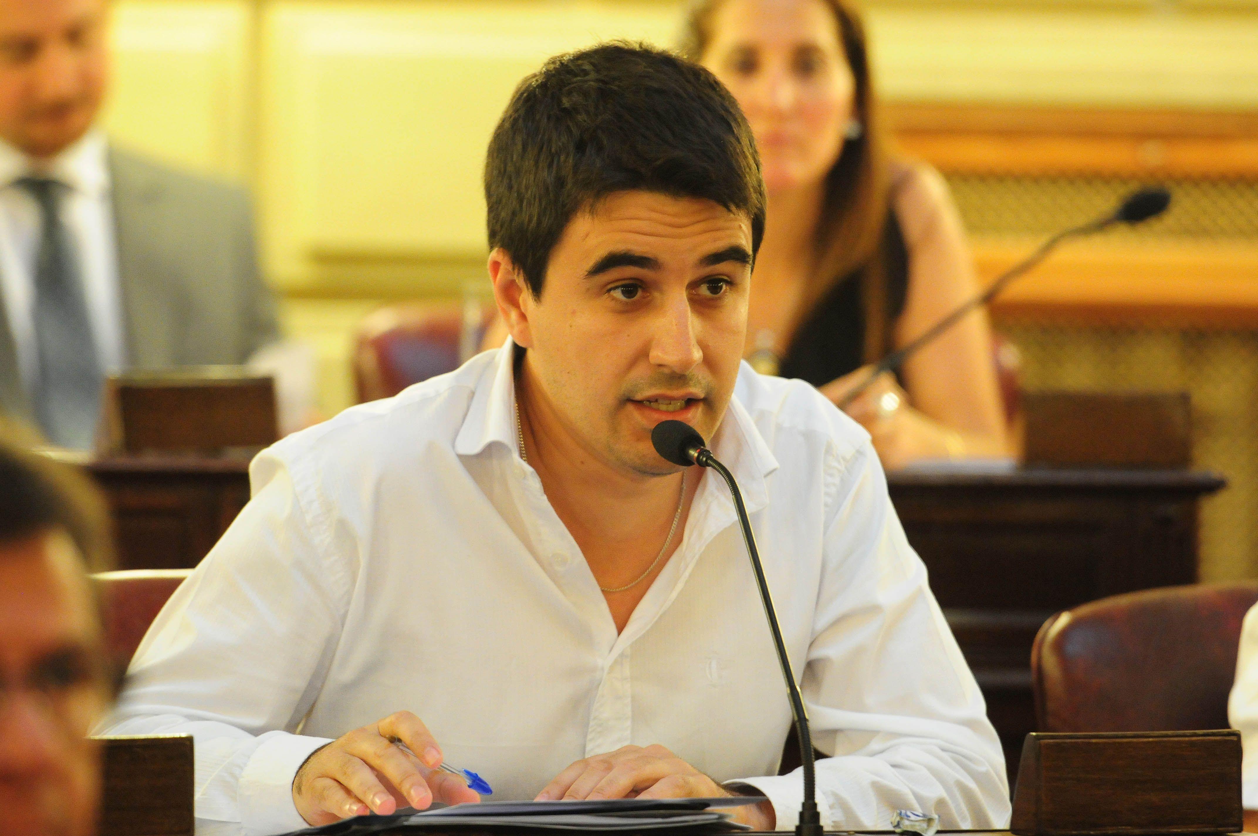 Toniolli. La Legislatura aprobó un pedido de informes del diputado peronista.