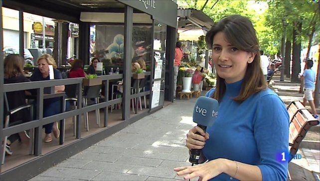 Una periodista se equivocó mientras estaba en vivo y avergonzada desapareció de plano