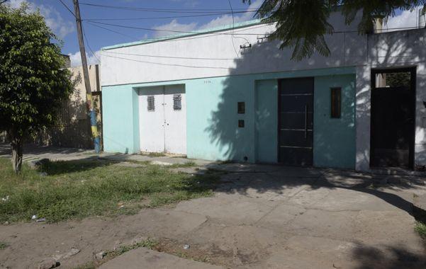 Moreno estaba en la puerta de su casa de Chacabuco al 3800 cuando le dispararon el domingo a la noche. (Sebastián Suárez Meccia / La Capital)