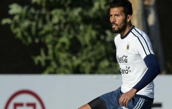 Ezequiel Garay es una pieza clave en la defensa del equipo del Tata Martino.