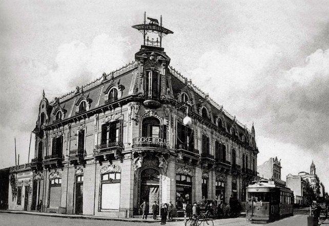 En la esquina de Corrientes y Santa Fé