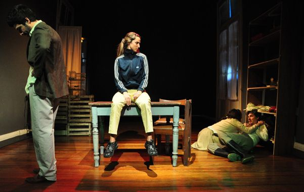 Equipo. El director se refirió al género de la obra como una comedia dramática o un melodrama rural.