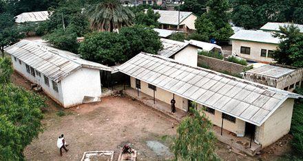 Enjuician al laboratorio Pfizer por muertes de niños en Nigeria
