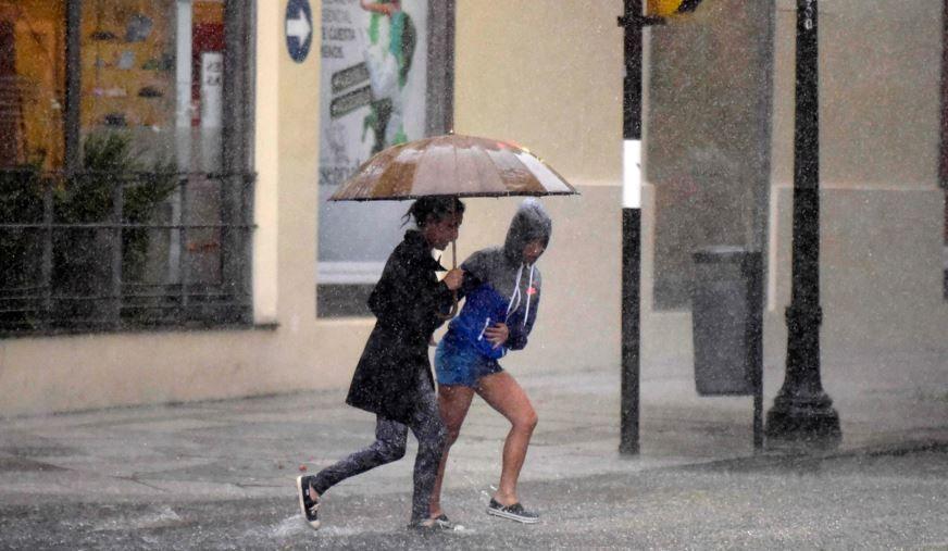 Rige una alerta por tormentas para Rosario y las zonas más afectadas del litoral