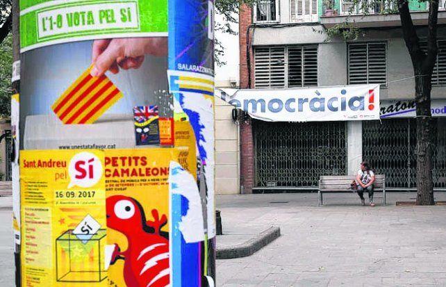 España secuestra material electoral en Cataluña