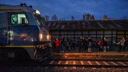 El tren a Retiro volvió a parar en la estación de Arroyo Seco. (Foto: @TrenesArg)