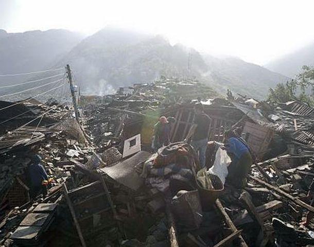El gobierno de Nepal dijo ayer que ya no había esperanzas en encontrar más sobrevivientes.