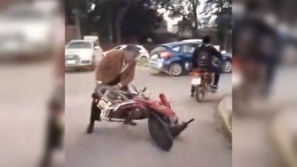 Un video muestra a un juez tucumano fuera de control tras un incidente de tránsito