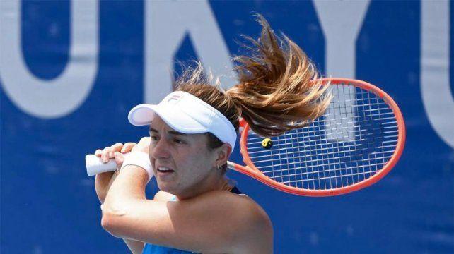 La rosarina Nadia Podoroska cayó sin atenuantes ante la española Paula Badosa 6-2 y 6-3 en Tokio.
