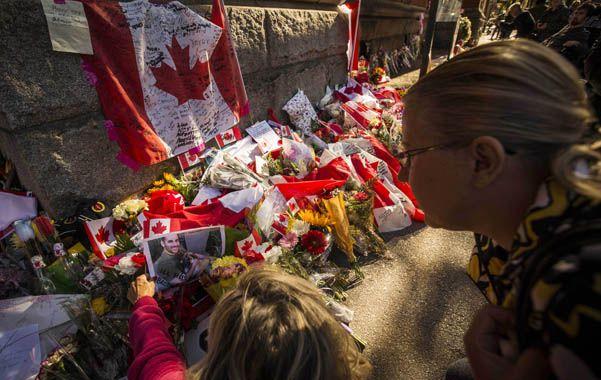 El miércoles un terrorista islámico mató a un soldado e ingresó armado al Parlamento en Ottawa antes de ser abatido.