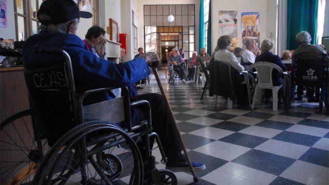 El Concejo tiene desde mayo un proyecto para testear geriátricos