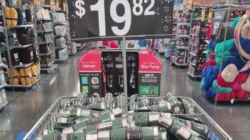 Precios disímiles. En Estados Unidos el termo Stanley se vende a 19,82 dólares. El precio es mayor en Argentina.