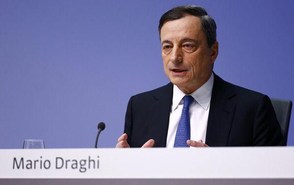 el anuncio. Draghi dio a conocer ayer la medida para estimular la economía.