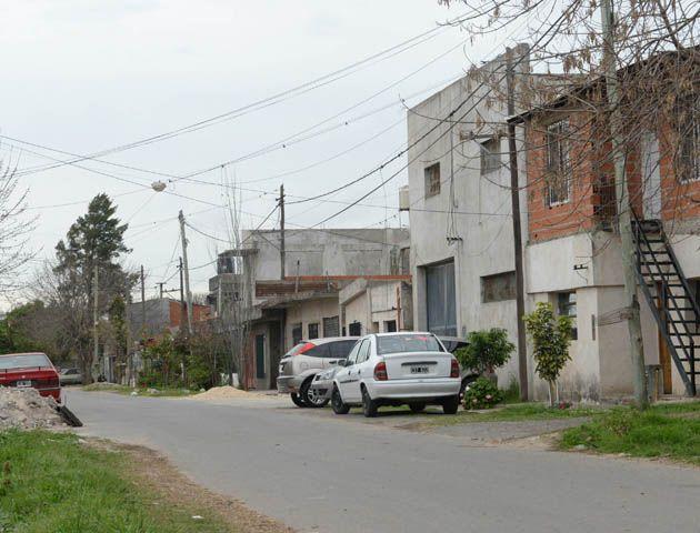 El procedimiento se cumplió en una casa de Camoatí 969 bis (José Ingenieros al 6900). (Foto:S. Salinas))