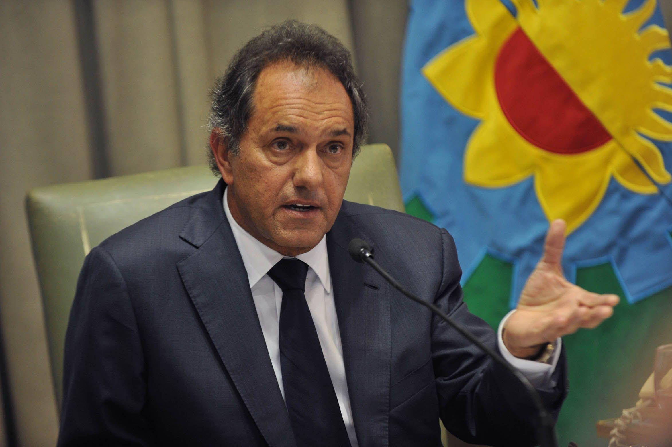 Daniel Scioli aseguró que las contradicciones entre Mauricio Macri y Elisa Carrió son obvias y la gente se da cuenta.