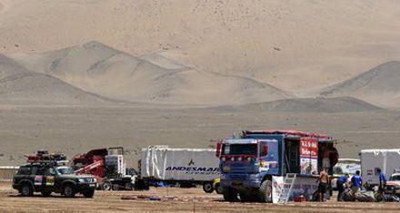 El Dakar descansa y mañana inicia de luto su fase más dura por el desierto chileno