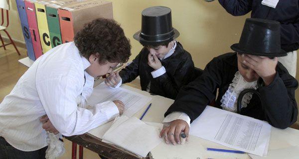 Con alegría y gran dedicación los chicos participan del simulacro de elecciones