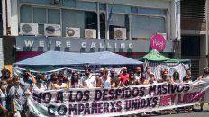 Los trabajadores de Hey Latam reclamaron frente a la sede de la empresa, en Buenos Aires al 1400.
