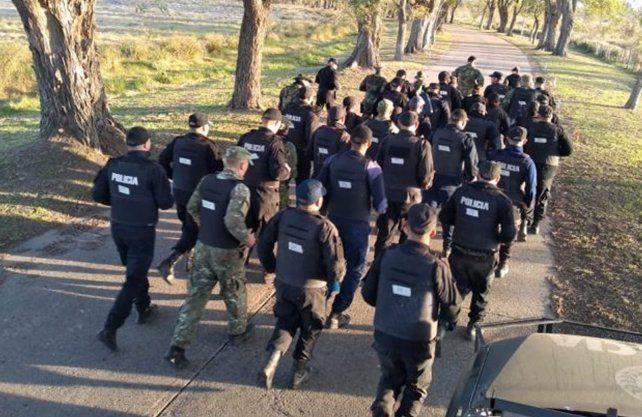 El grupo de infantería de la Unidad Regional IX de la Policía marchó por las calles de Reconquista.
