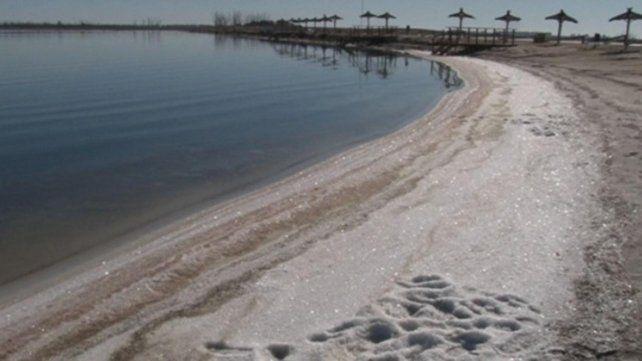 Las costas salinizadas de la laguna Epecuén
