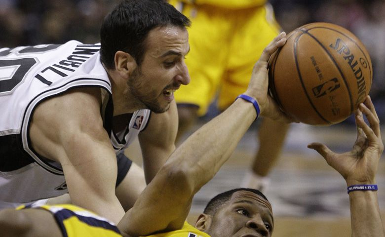 Manu Ginóbili lució con 26 puntos en triunfo fácil de los Spurs ante Indiana