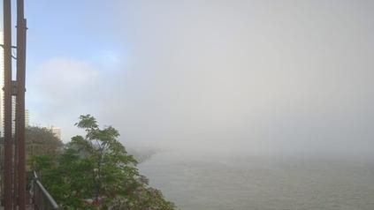 Bancos de niebla este martes a la mañana en la zona ribereña.