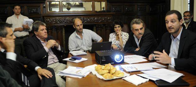 Los principales referentes del FPV presentaron su nuevo plan para la fuerza de seguridad. (Foto: C.M.Lovera)