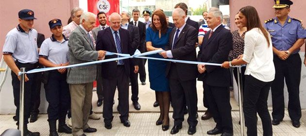 El ministro Lamberto encabezó la puesta en marcha de la Policía Comunitaria en barrio Echesortu.