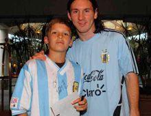 Messi y Heinze hicieron cumplir el sueño del pibe