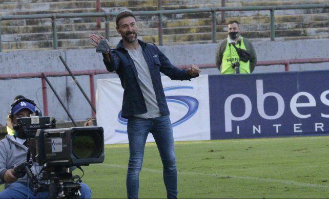 El Kily González buscará que Central le gane mañana a Estudiantes para seguir soñando con la fase final.