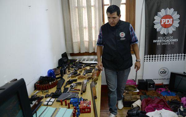 Fueron detenidas seis personas y se secuestraron numerosas armas. (Foto: L.Vincenti)