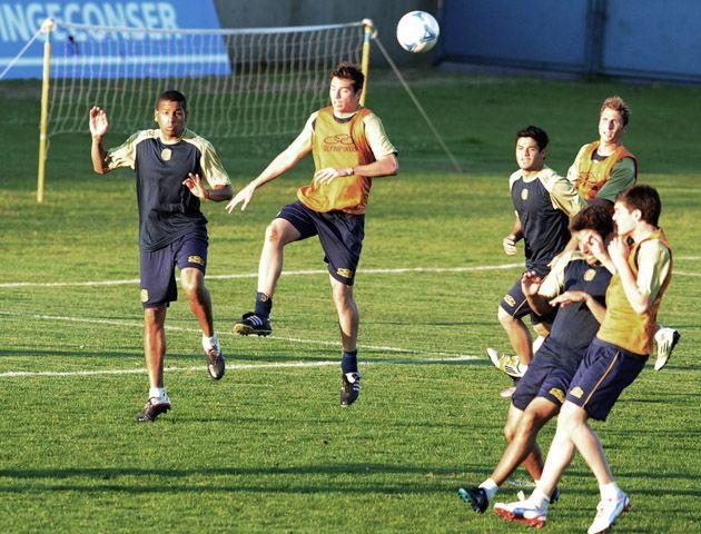 De cerca. Leonardo Talamonti jugó poco y es uno de los jugadores en los que el entrenador canalla confía. (foto: Gustavo de los Ríos)